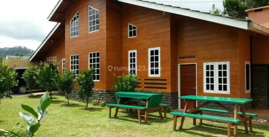 Villa Di Dekat Daerah Wisata Di Bandung, Lembang