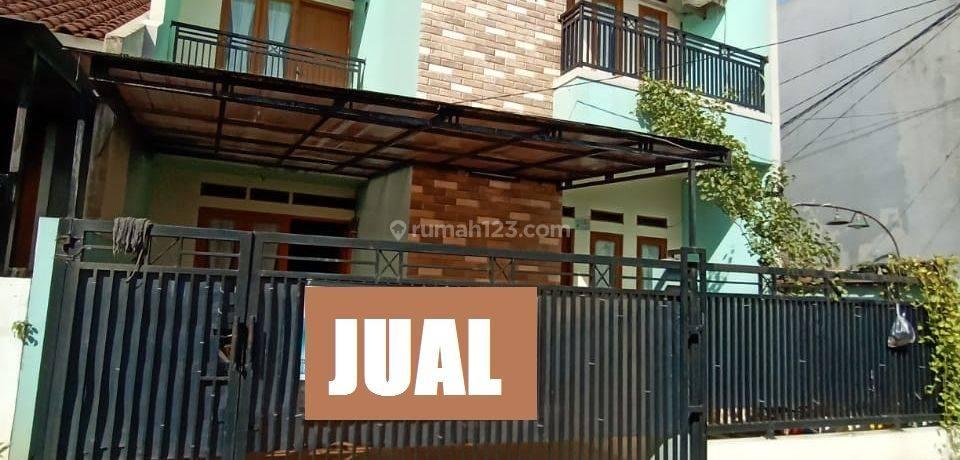 Rumah 2 lantai dekat Universitas Indonesia