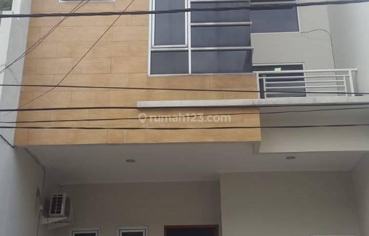 Dijual Cepat Rumah Mewah Strategis di Kelapa Gading Jakarta Utara