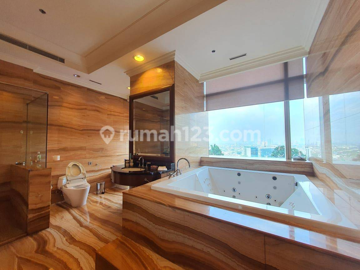 Apt Pacific Place 3 bedrooms fully furnished kondisi bagus bangettt