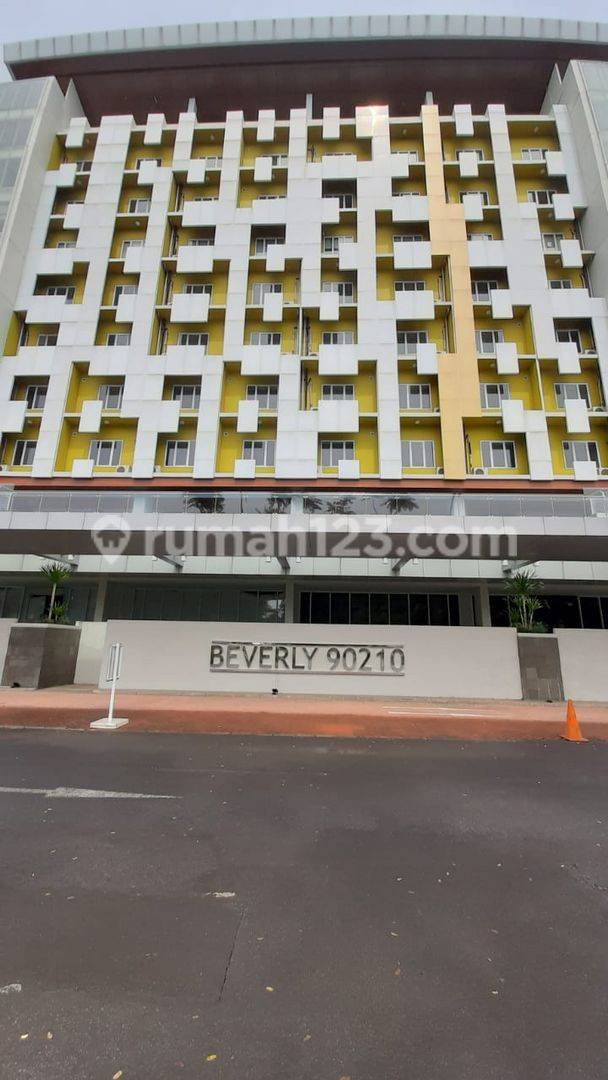Apartemen Beverly 90210 Semi Furnished