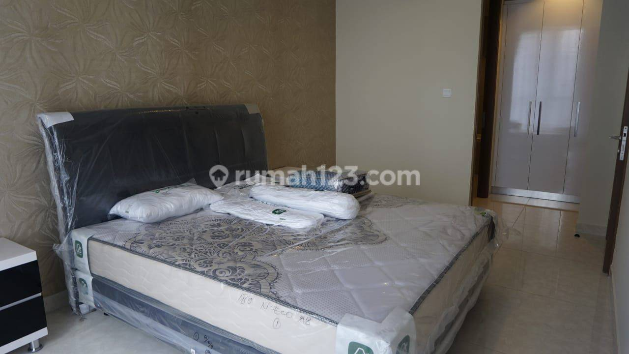 Taman Anggrek Residences Condo 2BR Full Furnished View Pool