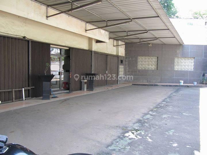 Gedung Kantor Dekat Pakubuwono Residence