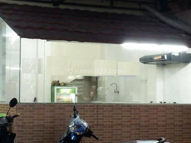 Kios Makanan Seberang Kampus, Benar2 Ramai