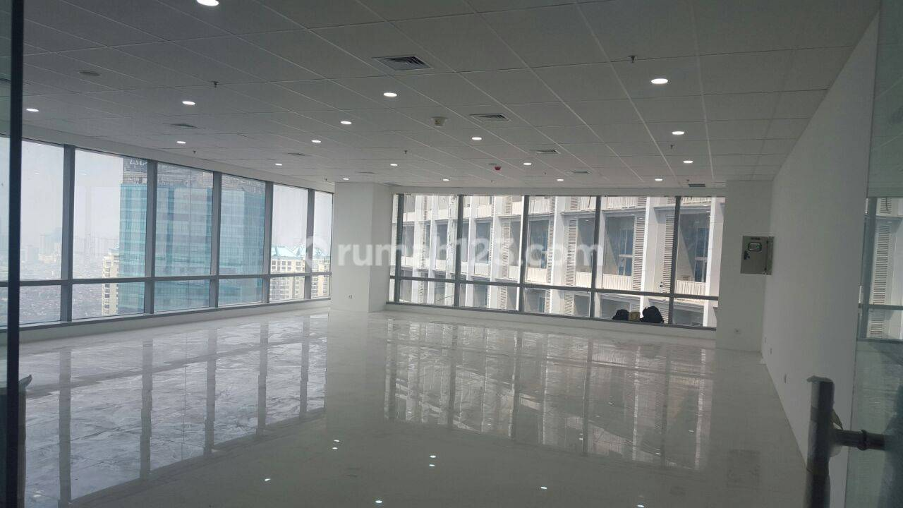 Kantor  luas 321,67M2 Capital Office Tower at Central Park. sudah Fit Out dan harga Murah – Yani lim 082138694222