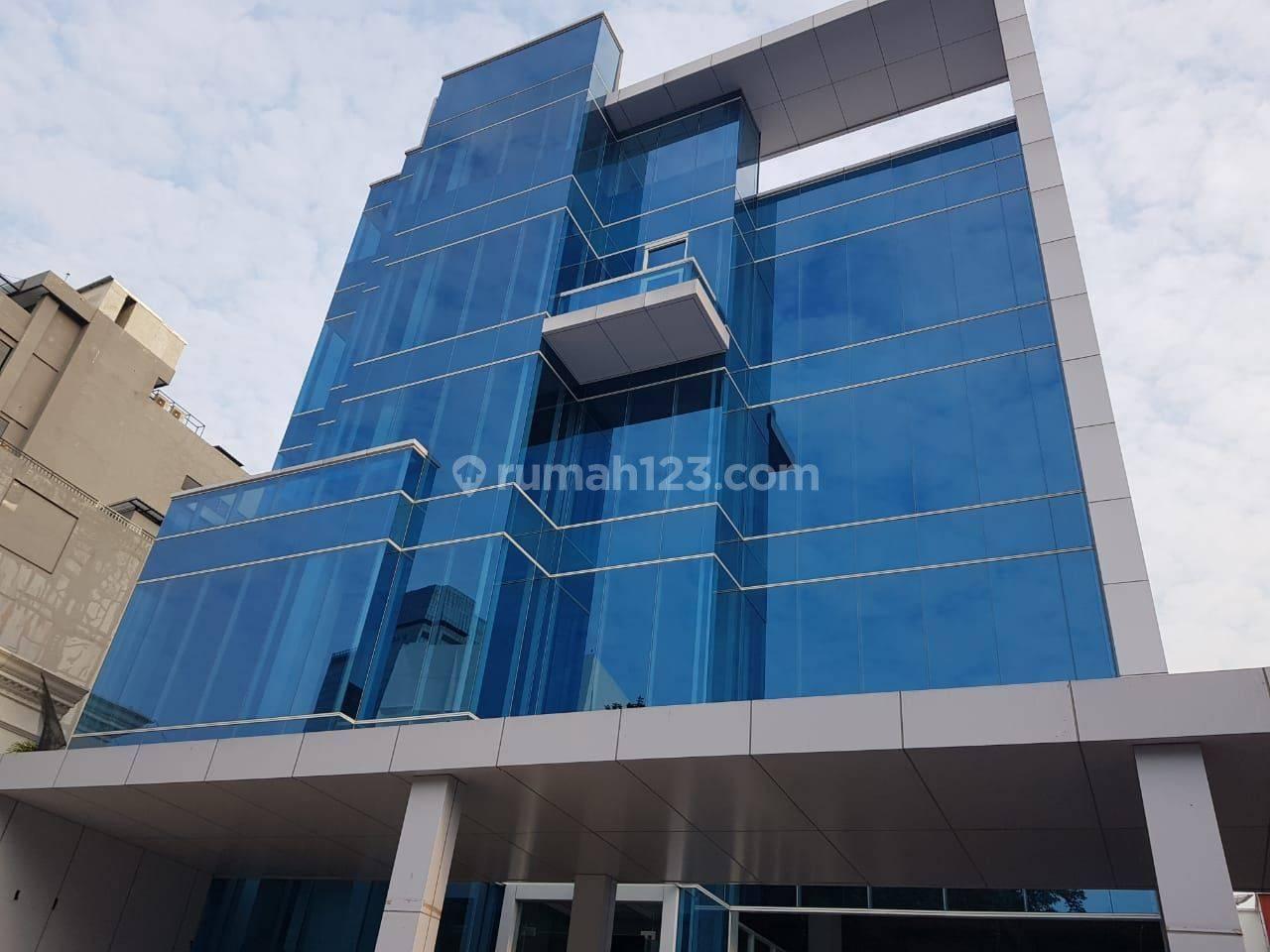 Gedung Kantor Baru di Kebon Sirih Jakarta Pusat, 4 lantai + basement