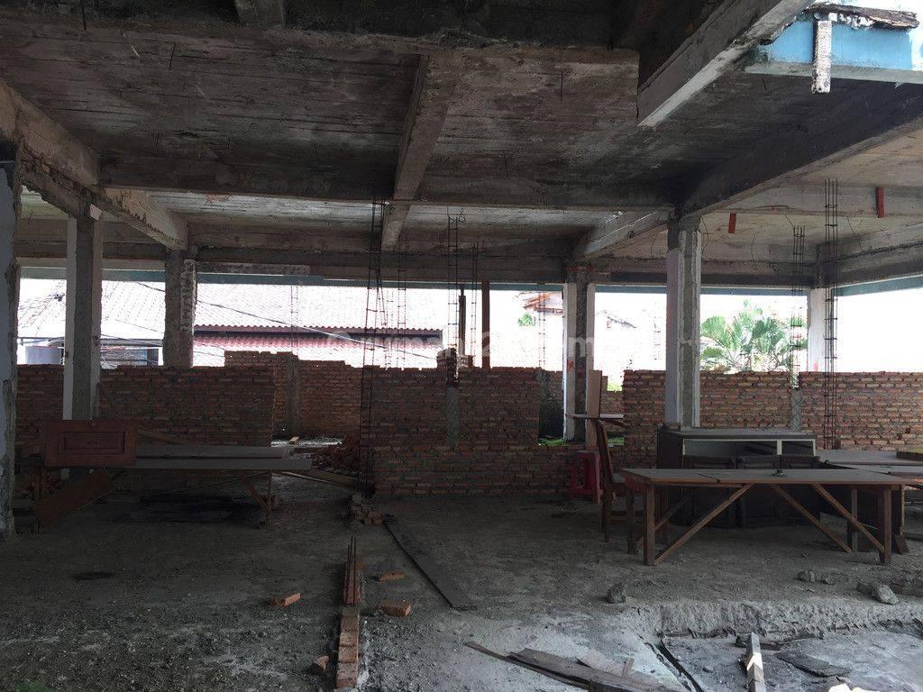 Di Jual mini Gedung, Jln Raya Tebet, ada Basement