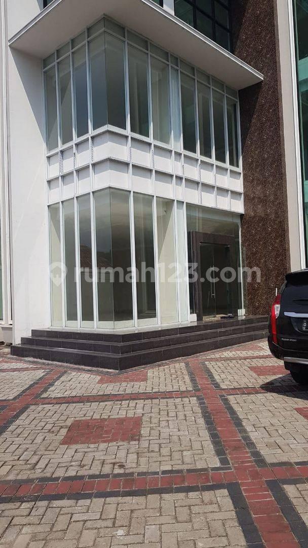 Gedung 5 Lantai, LB950  di jl Proklamasi Menteng Jakarta Pusat