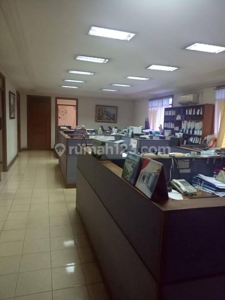 Gedung Kantor di Pluit Raya