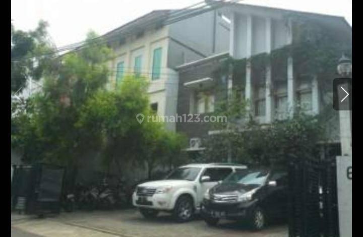 Gedung kantor Di Mampang Jakarta Selatan.
