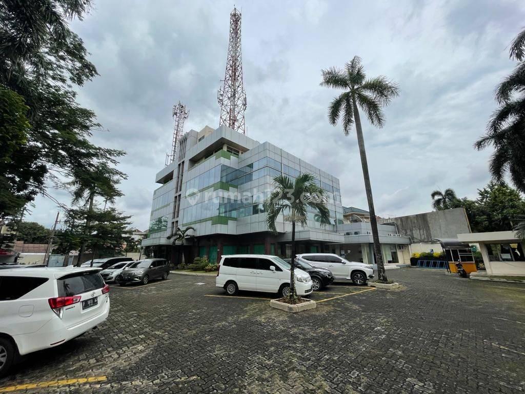 Gedung / Showroom di Pejaten - Jakarta Selatan