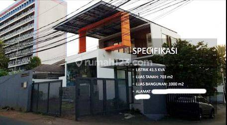 ruko Jl.Bangka dengan luas tanah 703m bangunan 3lt, sangat bagus dan Rapi