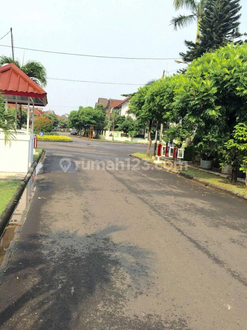 Rumah Hoek Kemang Pratama (CR)