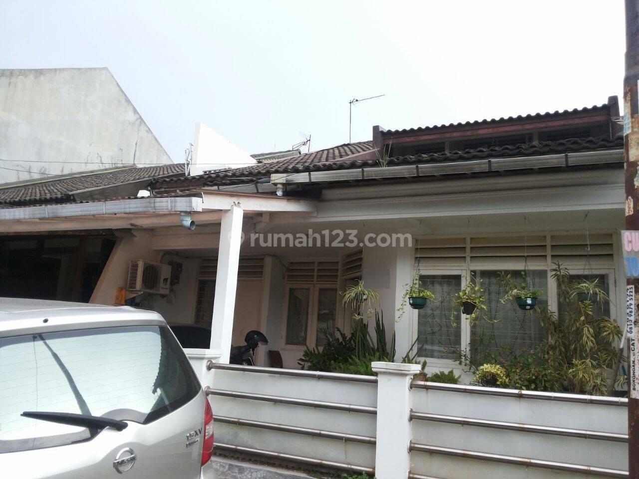 Rumah Terawat Ada Kost-kostan Di Bintaro Sektor 2