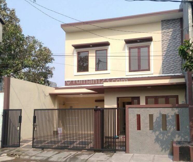 Rumah baru di Pulo Gadung harga nego