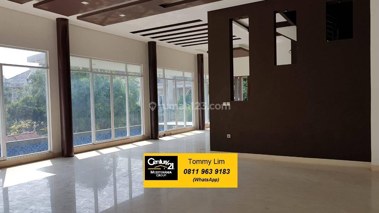 Rumah Hoek Pantai Indah Kapuk Brand New Minimalis, Kualitas Bangunan Bagus, Ada Kolam Renang