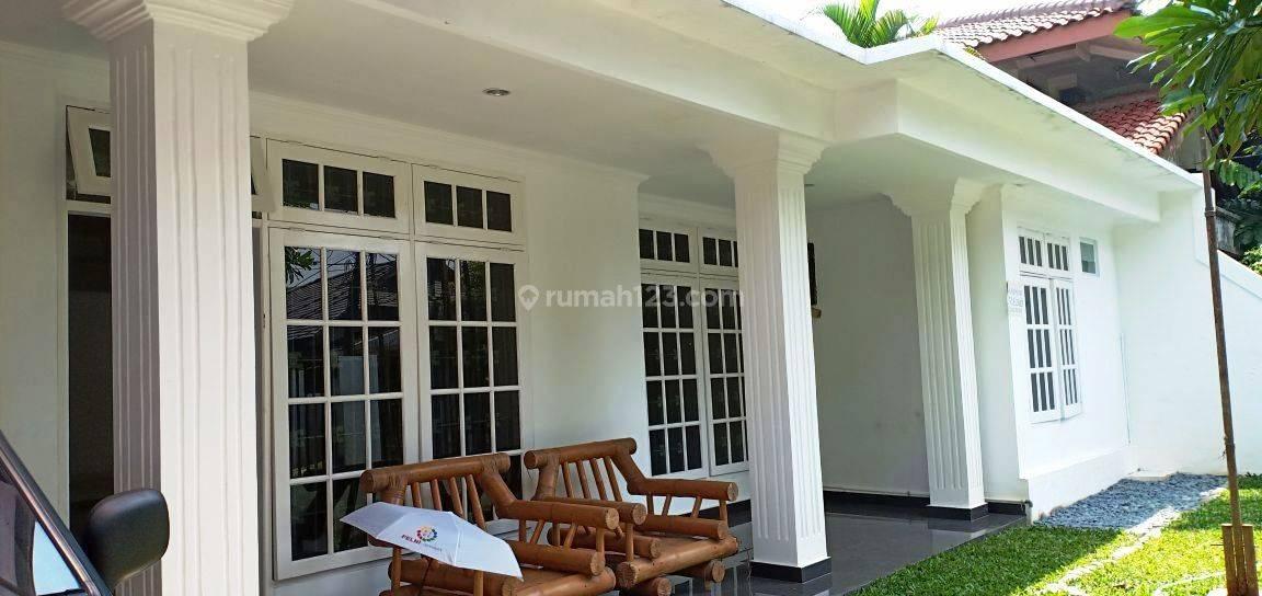Rumah  Bagus Di Cipete Dalam Komplek Jakarta Selatan