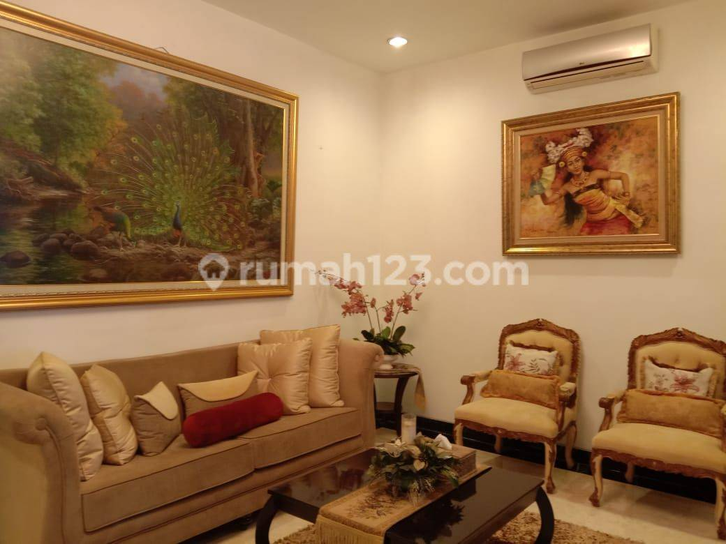 HOUSE AT MENTENG JAKARTA PUSAT NICE FURNICE AND LUXURIOUS IDR 83.000.000.000