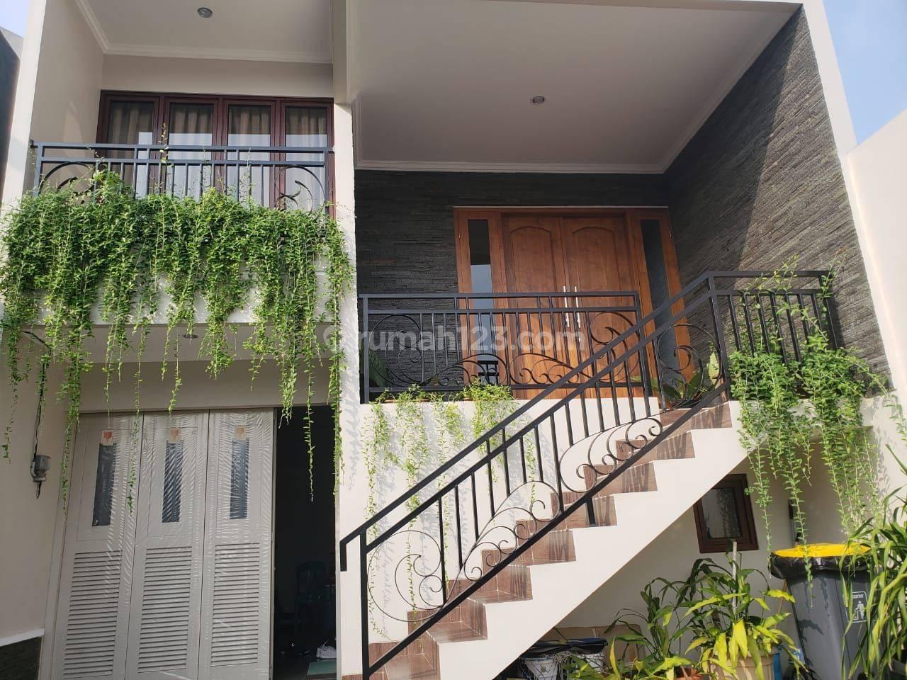 Beautiful minimalis brand new home Jln H Mandor belakang highscope TB simatupang. Jakarta selatan.