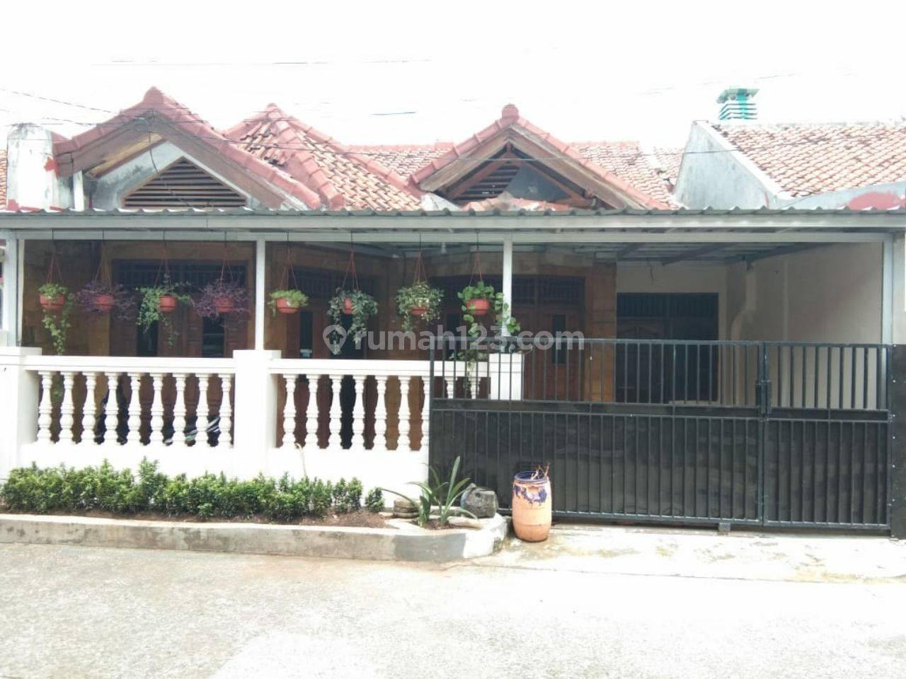Rumah Bagus Full Furniture siap huni @ Komplek Sukamaju Permai Depok