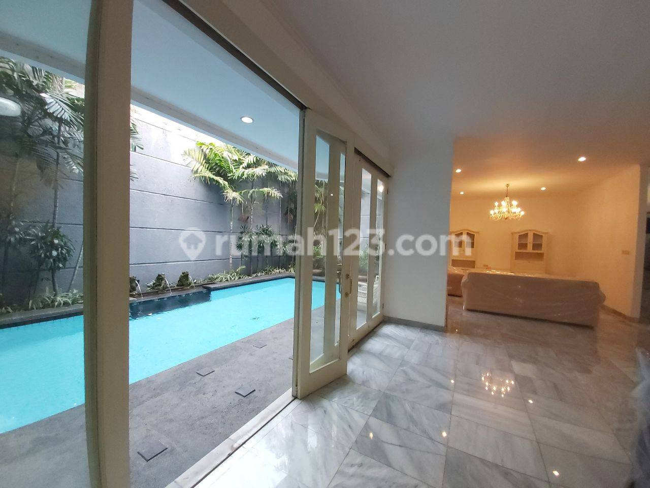 Cozy Furnished House in Pondok Indah