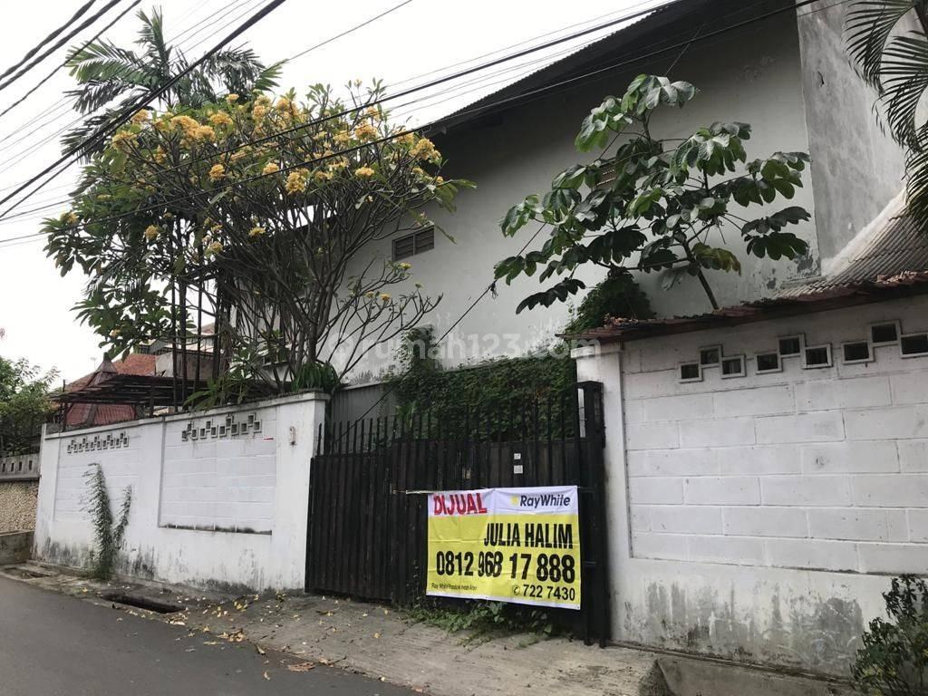 Jual Rumah Tua Hitung Tanah Lokasi Praja dekat Mall Gandaria City