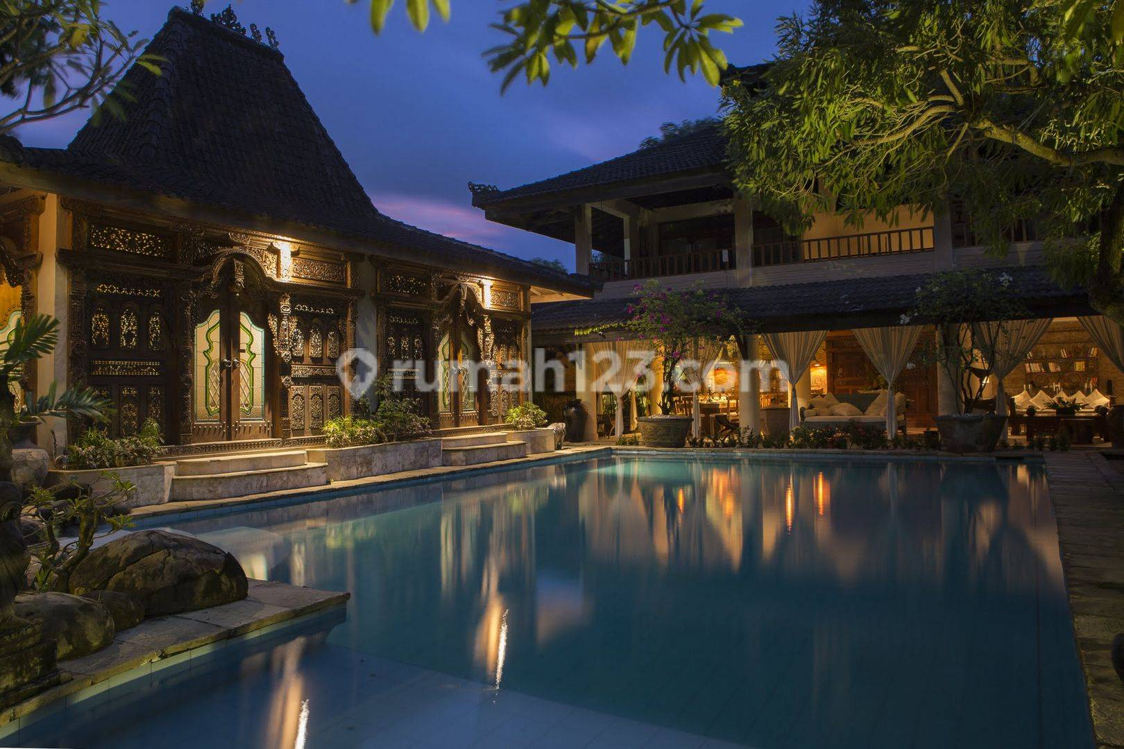 Luxury 6 Bedroom In Great Location Seminyak