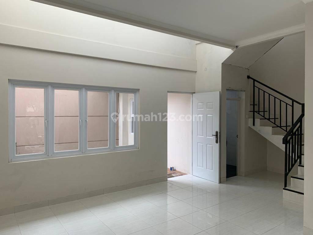 Rumah Baru Minimalis di tengah kota sayap BKR Kota Bandung