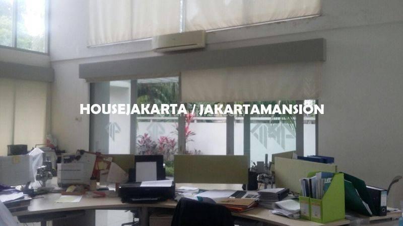 House for lease at senayan kebayoran baru nice and modern house