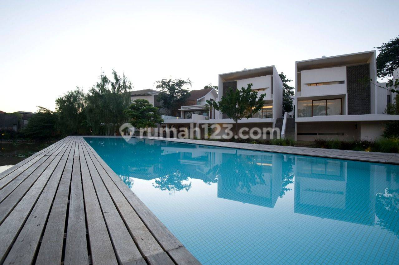 Compound for Lease nice and modern house with environmentally friendly at Jati Padang