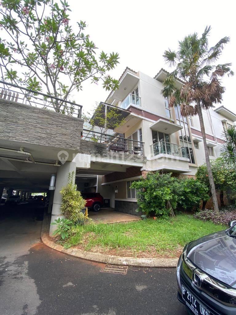 Crown mansion Pantai Indah Kapuk