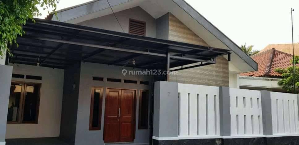 Rumah Asri Jl. Sinabung, Pakubuwono, Kebayoran Baru