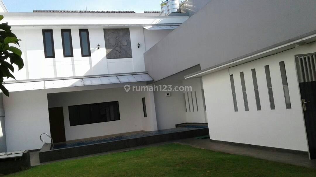 Rumah Bangunan Baru di Terusan Hang Lekir, Senayan