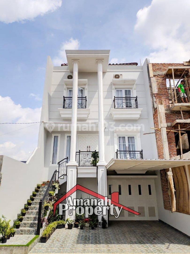 SISA 1 UNIT ! Townhouse Mewah 3 Lantai Lokasi Strategis READY STOCK Jagakarsa Jakarta Selatan