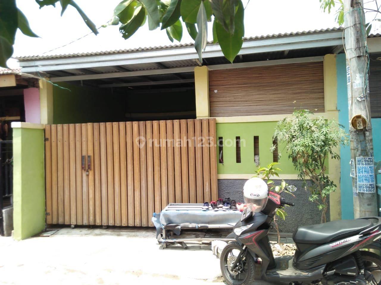 Rumah mungil harga centil di Bekasi Green City