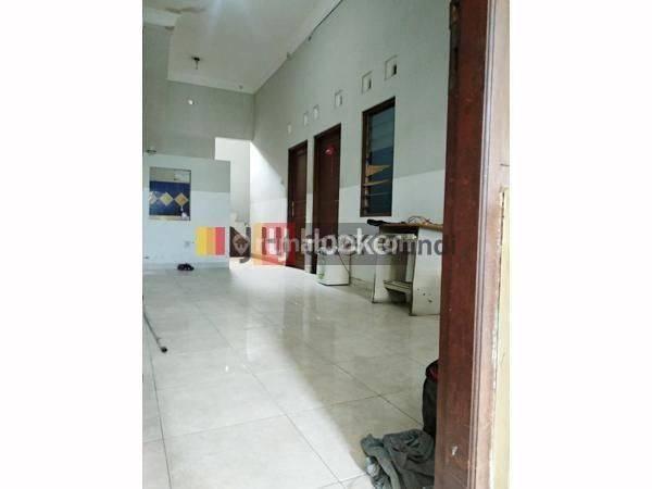 Rumah di Wahyu Temurun Tlogosari Semarang