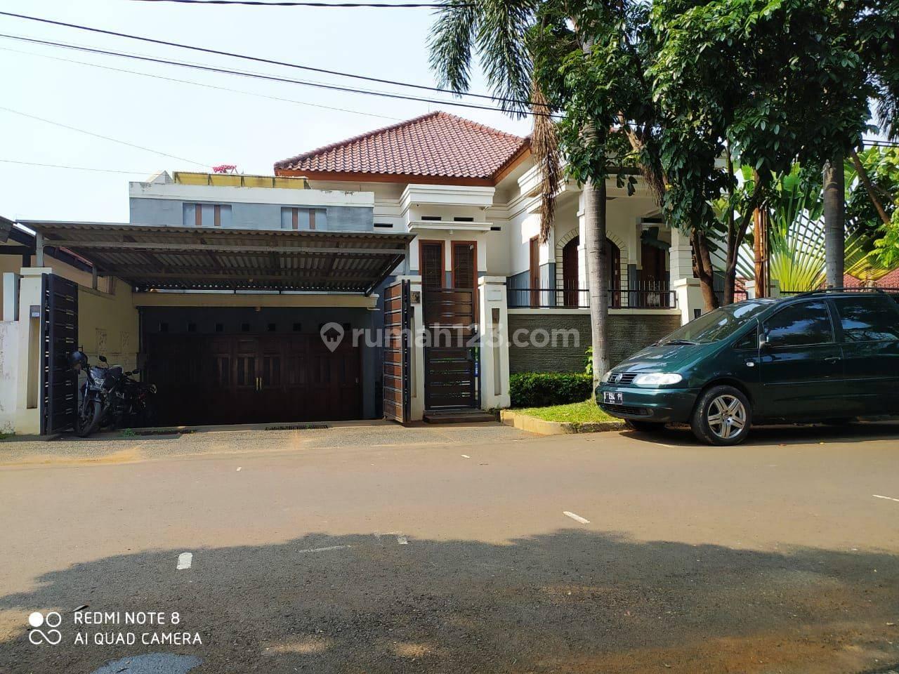 Rumah Mewah di Jln Taman Margasatwa Jati Padang Jakarta Selatan