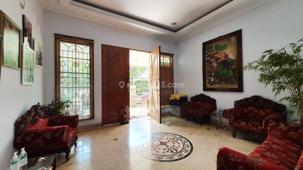 Rumah Mewah Siap Huni di Cempaka Putih, Marmer & Bonus Furniture
