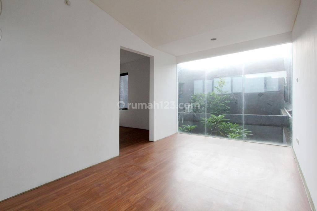 Rumah di Bintaro, Jakarta Selatan ~ Siap Huni ~ Dalam Kompleks