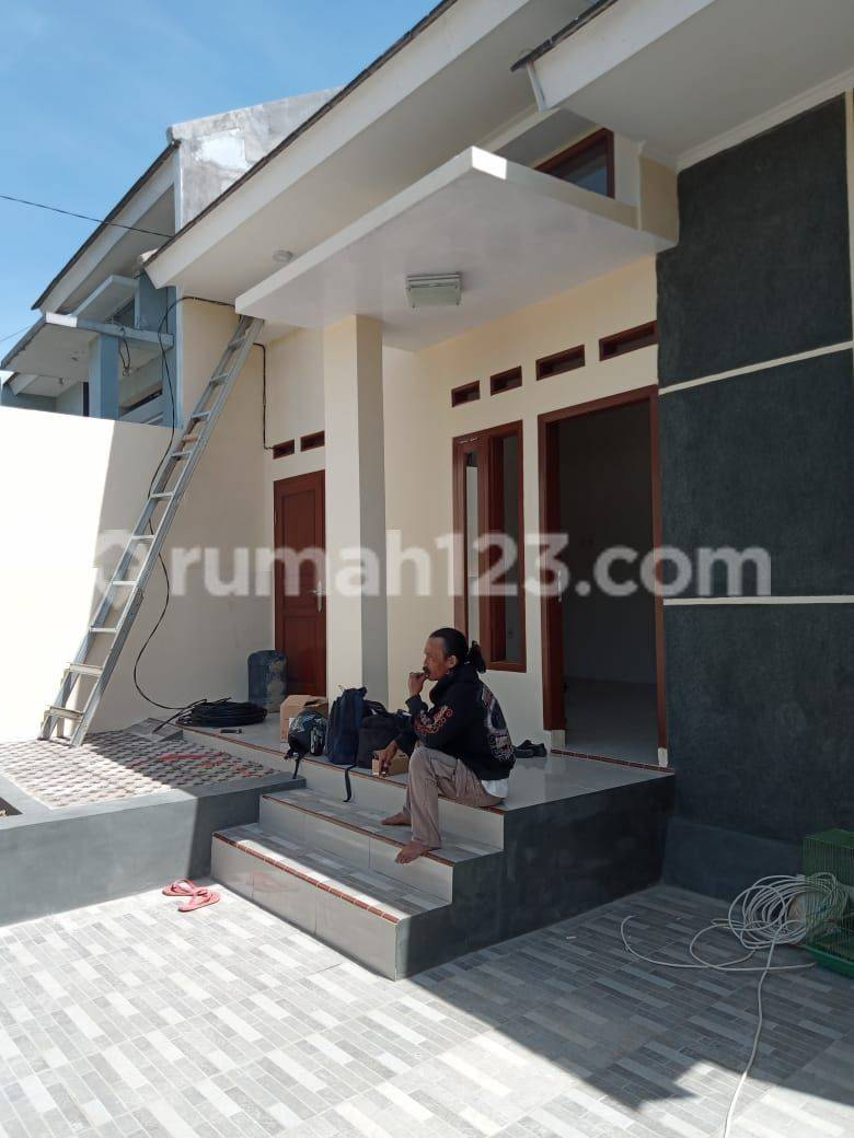 Rumah murah aman dan nyaman bebas biaya KPR di tipar Bandung Barat