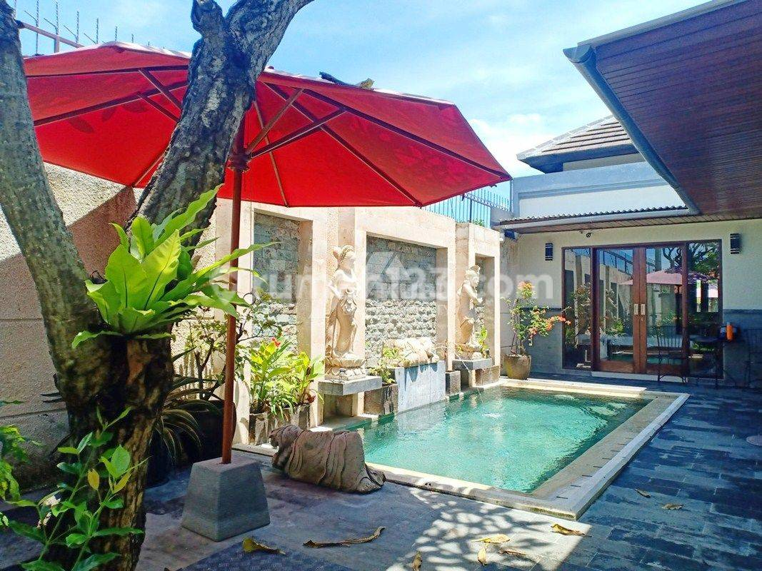Minimalist Modern Villa With Beautiful Garden And Pool In Sanur
