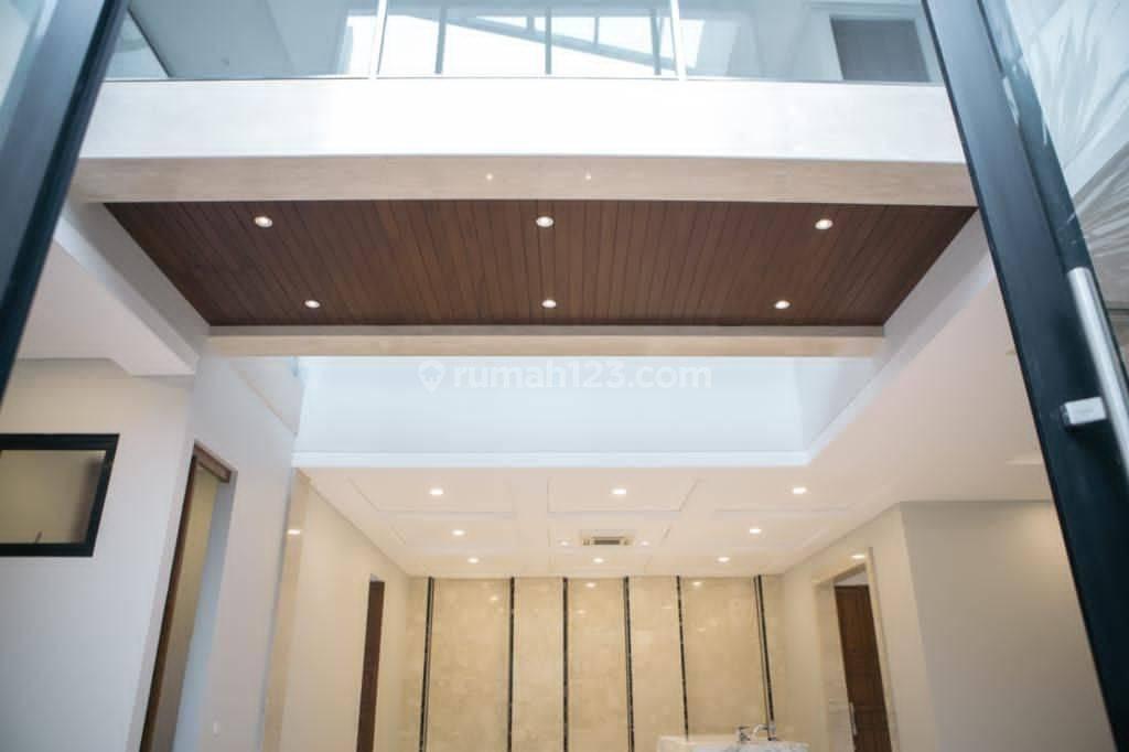 Rumah Pakubuwono area Kebayoran Baru mewah minimalis