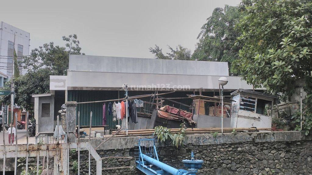 Tanah Kosong daerah Komersial di Jl.Supomo - Jakarta Selatan