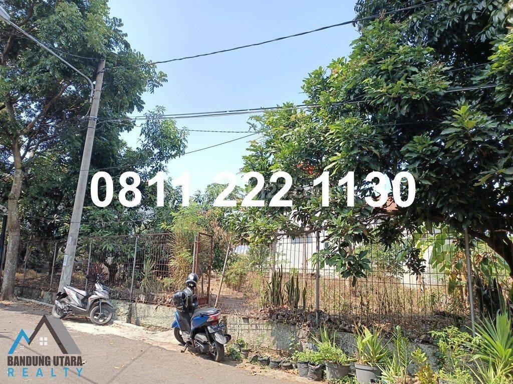 Tanah di Tirtasari – Sarijadi. Kotak 51x22. Diapit rumah, Kontur datar rata. Bisa jadi 6 rumah.
