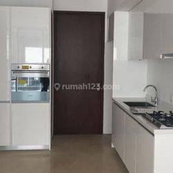 2 BR Apartemen Senopati Suite Lokasi Strategis