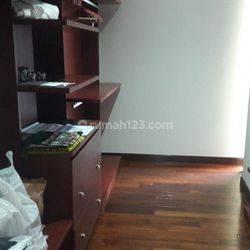 Apartemen Darmawangsa Essence 3+1 BR Middle Floor, Furnished & View city