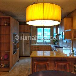 Simprug Teras Apartment: Classic and Spacious with 2 Beds+2 Bath