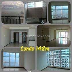 Condominium Penthouse Green Bay
