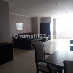 Good Apartement with Nice 3 Bedrooms at Simprug Terrace