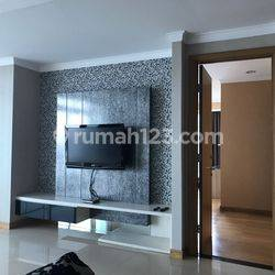 Apartemen Kempinski Residence 3 BR, 2 BA, fully furnished, city view, good interior.